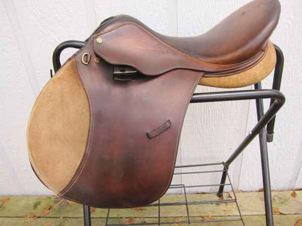 Collegiate Ruiz Diaz saddle